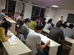 在职考生怎么突破2015年二级建造师考试