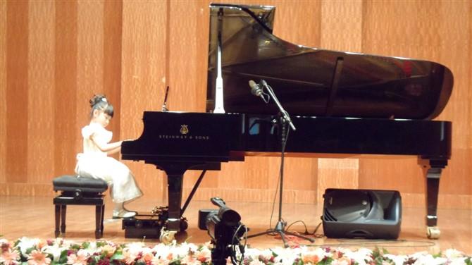 在钢琴练习中如果过度练习会造成什么后果