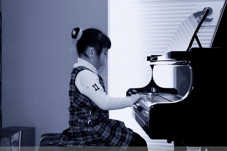 孩子要参加钢琴培训了钢琴租还是买划算