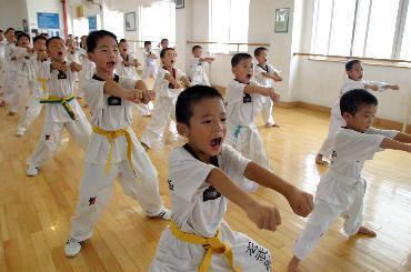 孩子四周岁了,想参加跆拳道的品势项目,有什么具体的好处