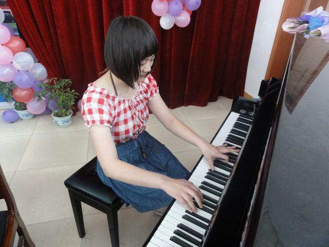 钢琴弹奏中该如何看谱与背谱
