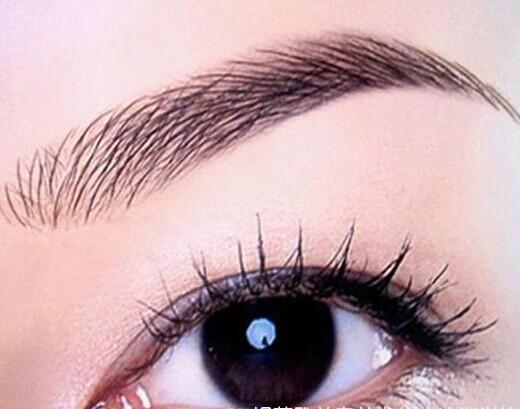 很多人说喜欢韩系的眼睛,能否给韩系眼妆做个解剖?越简洁越好