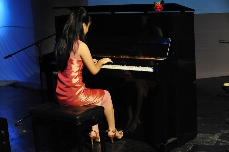 学习钢琴电子琴可以培养孩子哪些非智力的能力